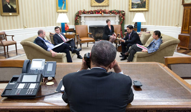 ABD, Küba'ya yaptırımları hafifletiyor