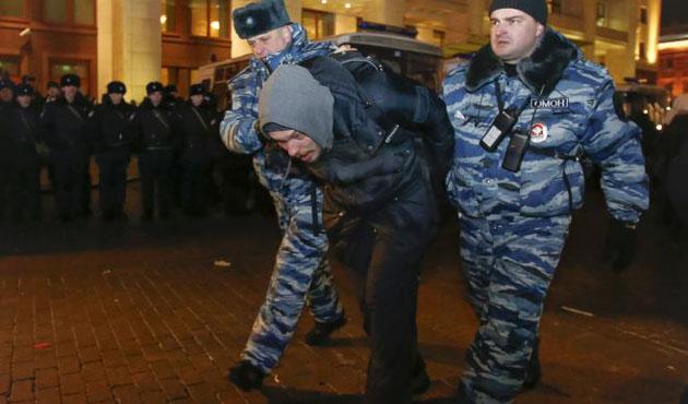 Moskova'da muhalifler gösteri düzenledi