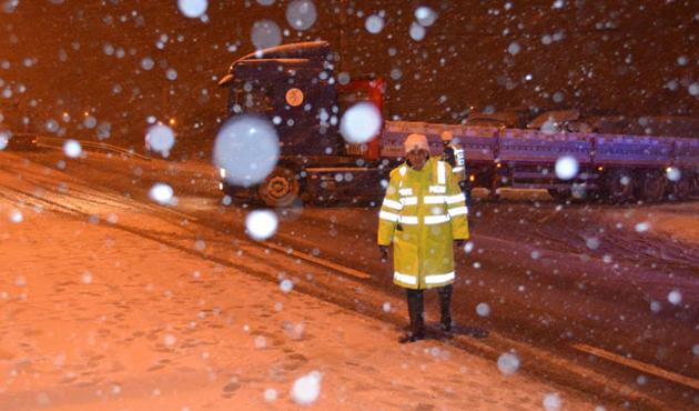 Birçok ilde kar nedeniyle yollar kapandı