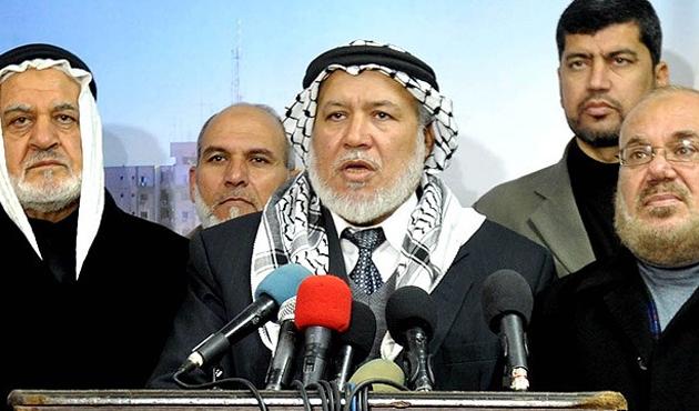 Filistinli alimlerden Charlie'ye tepki