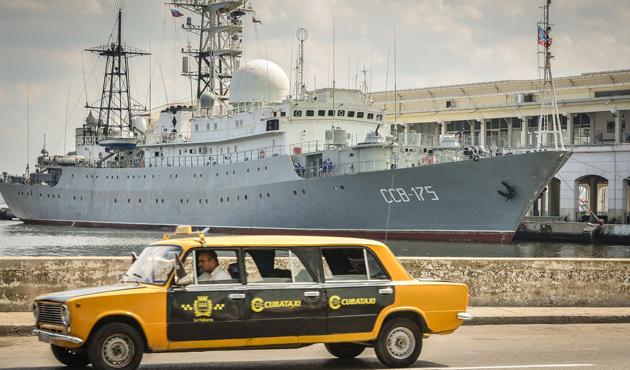 Rus istihbarat gemisi Küba'da