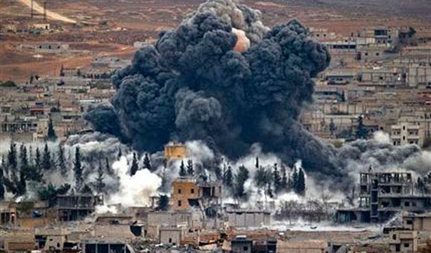 Kürt gruplar Kobani'nin büyük kısmını ele geçirdi
