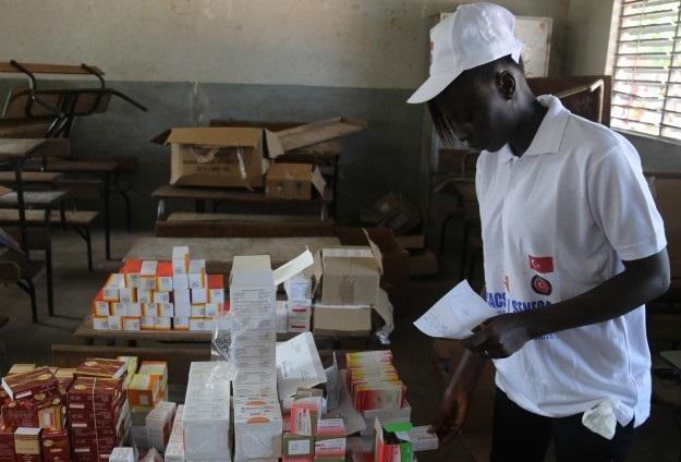 Afrika'ya Ebola için ilaç ve tıbbi malzeme desteği