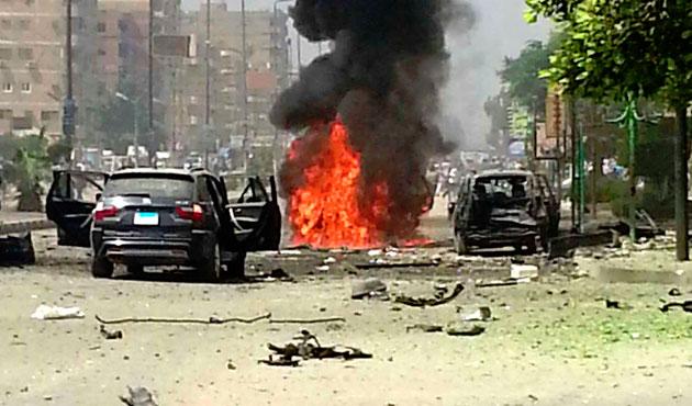 Kahire'de el yapımı bomba ile saldırı