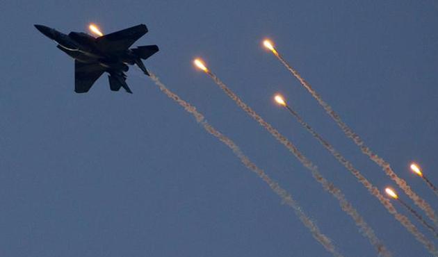 İsrail jeti Suriye'yi bombaladı