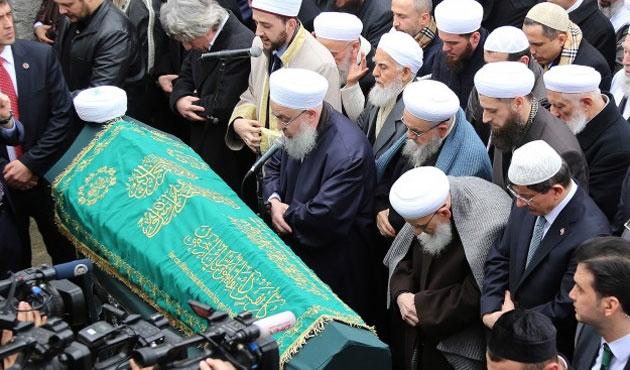 Mahmut Ustaosmanoğlu'nun kardeşi defnedildi