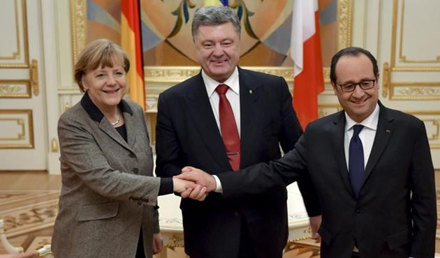 Hollande: Barış anlaşması Ukrayna için son şans