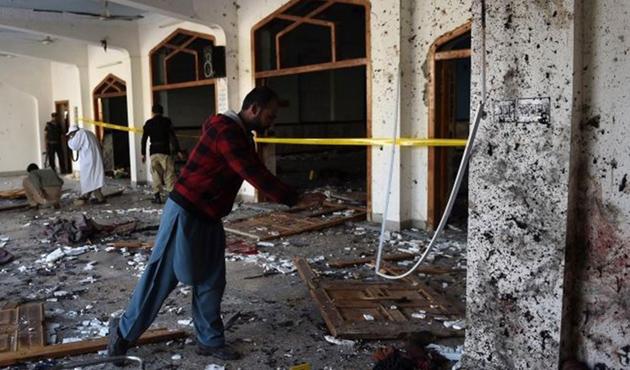 Pakistan'da iki kiliseye bombalı saldırı: En az 19 ölü