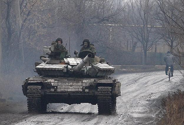 Ukrayna'da ihlallere rağmen ateşkese uyuluyor