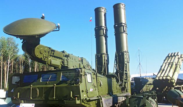 Rusya, S-300'leri İran'ın iklimine uygun hale getirecek