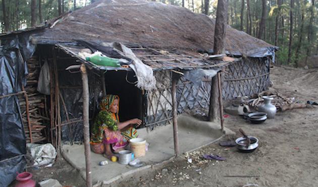 Bangladeş'te 35 bin Arakanlı kamplarından çıkarıldı
