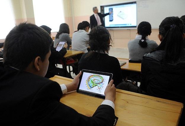 Okullarda bugün 700 bin tablet dağıtılacak