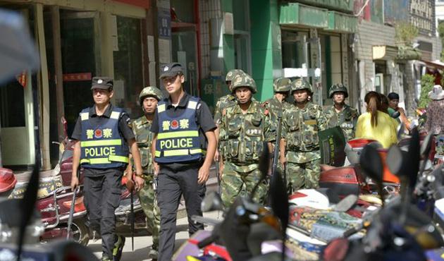 Çin polisi dört Uygur Türkü'nü öldürdü
