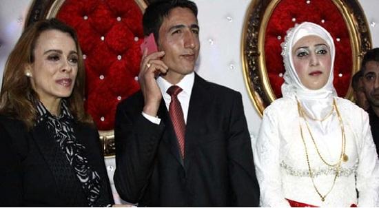 Davutoğlu, PKK'dan ayrılan genci düğününde aradı