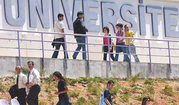 785 bin genç üniversiteli oldu