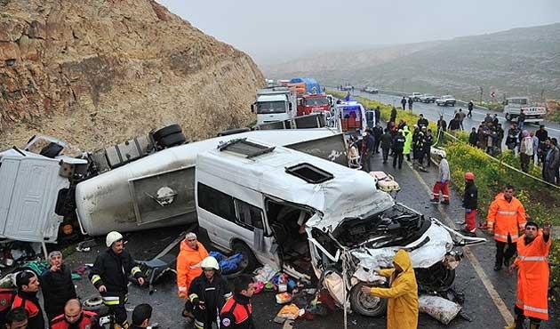 Şanlıurfa'da zincirleme kazada 13 kişi öldü