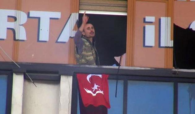 Ak Parti binasındaki eylemciler gözaltında