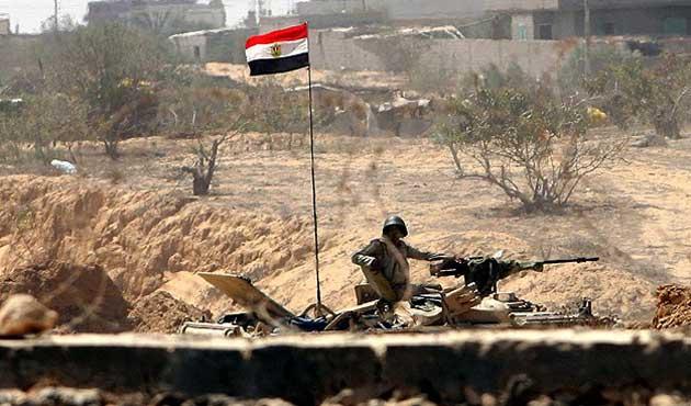 Sina'da kontrol noktalarına saldırı: 27 ölü