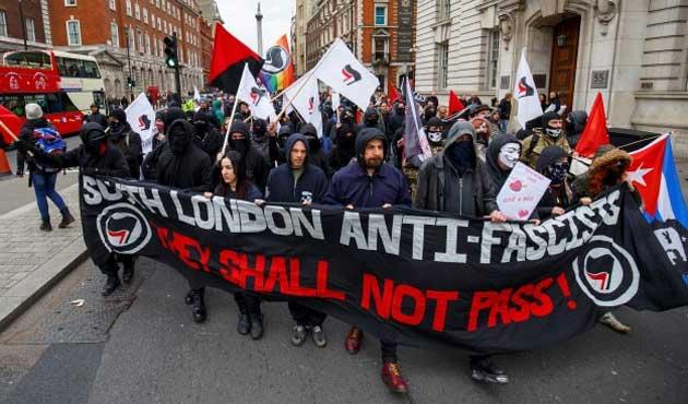 İslam karşıtı PEGİDA'dan Londra'da ilk gösteri