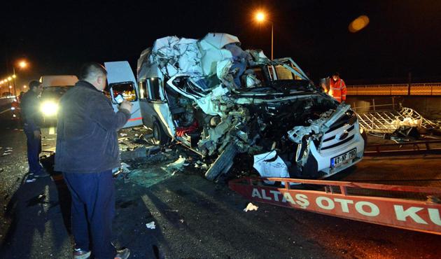 Düğün dönüşü kazada yedi kişi öldü