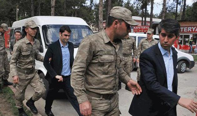 Gözaltındaki askerlere tutuklama talebi