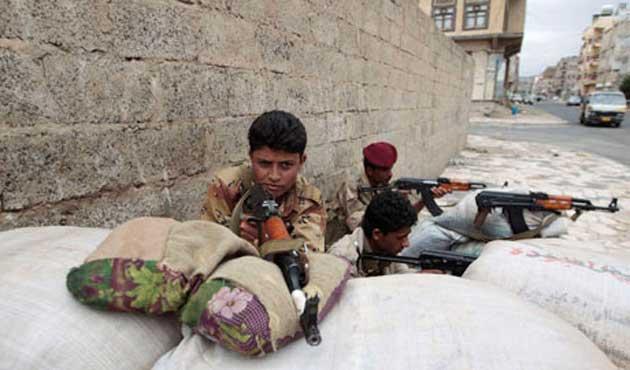 El Kaide Yemen'de bir havaalanını ele geçirdi