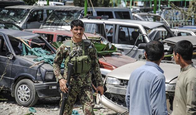 Afganistan'da intihar saldırısında 33 kişi öldü