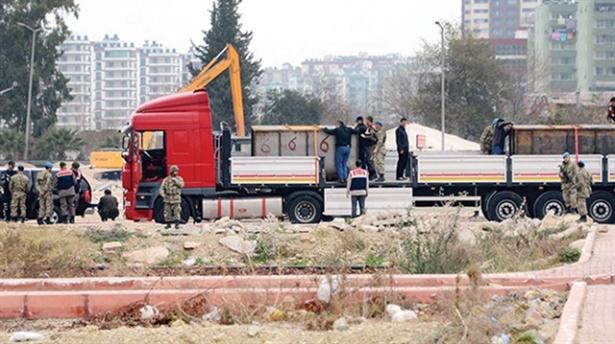 TIR baskınında 17 asker tutuklandı