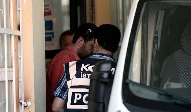 Gözaltı kararı bulunan 5 polis firari
