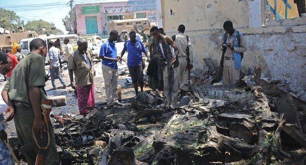 Somali'de bakanlık binasına saldırı: 17 ölü
