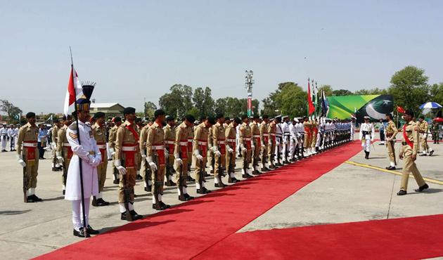 Çin'den  Pakistan'a stratejik temas
