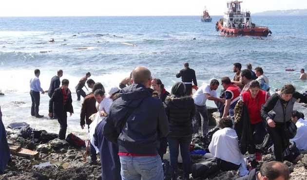 Bodrum'da kaçak göçmenleri taşıyan tekne battı