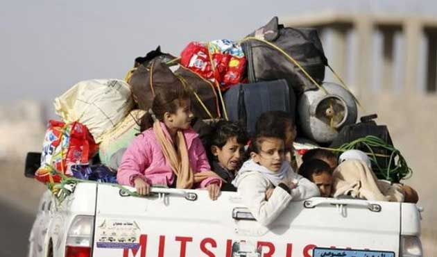 Suud'dan Yemen'e hem bomba hem yardım