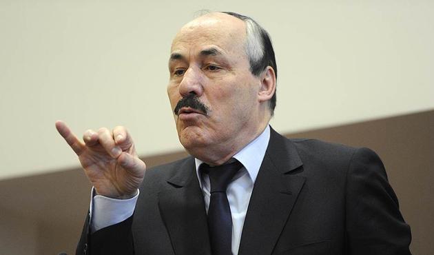 Dağıstan lideri Rusya'ya karşı Kadirov'u destekledi