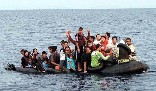 Sicilya'da iki günde 3 bin 300 göçmen kurtarıldı