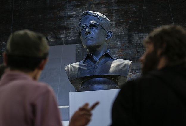 Rusya Snowden'in oturum iznini uzattı