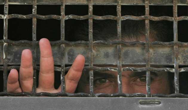 İsrail serbest bıraktığı 5 Filistinliyi yeniden tutukladı