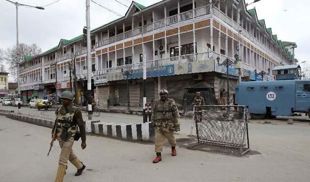 Keşmir'deki çatışmada bir sivil hayatını kaybetti