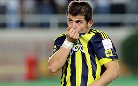 Fenerbahçeli Emre Belözoğlu'na saldırı