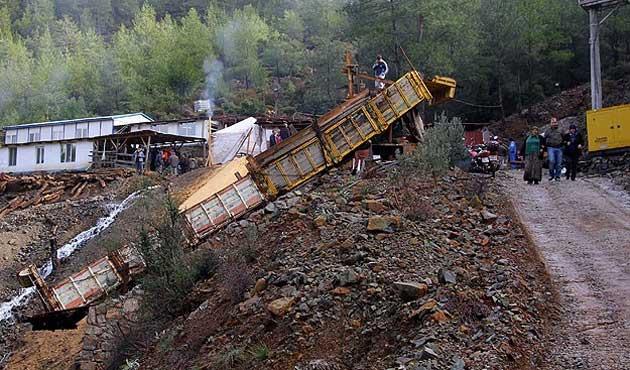 Burdur'da madende gaz zehirlenmesi; 2 ölü