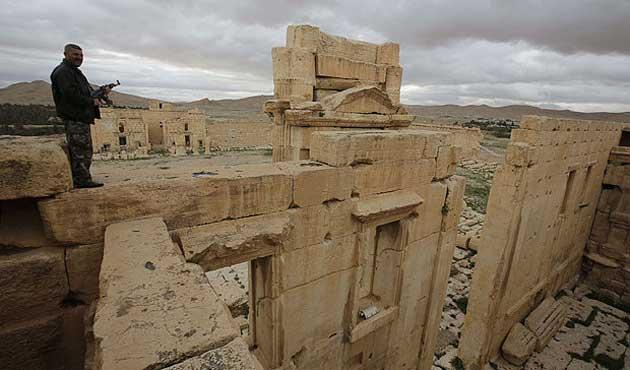 IŞİD antik şehir Palmira'ya girdi