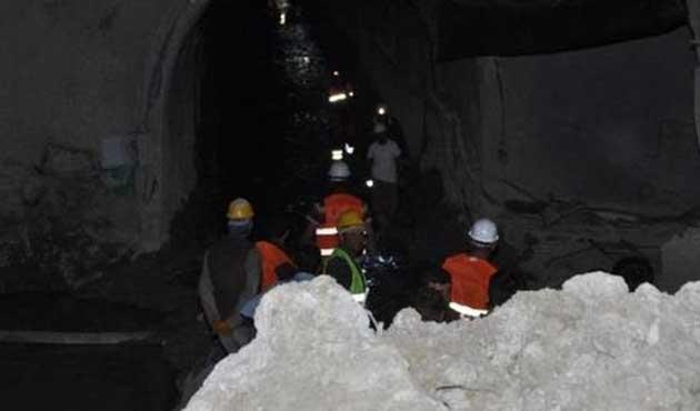 Hes'teki göçükte kalan işçinin cesedi çıkarıldı