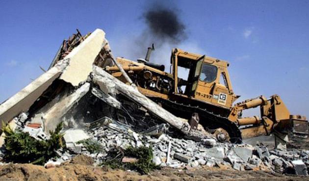 İsrail, Filistinlilerin dükkanlarını yıktı