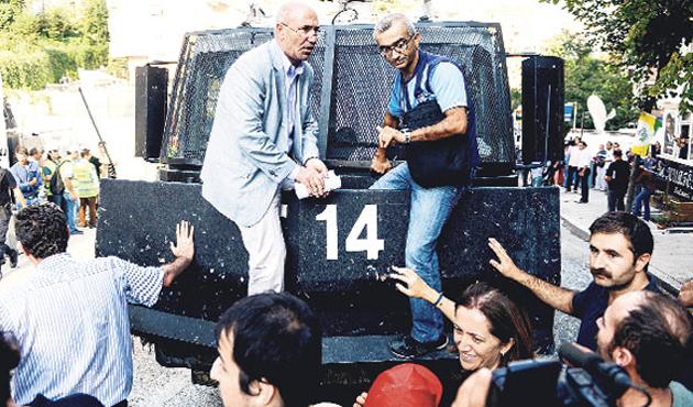 İnternetten CHP'li vekile hakarete 6 bin lira ceza