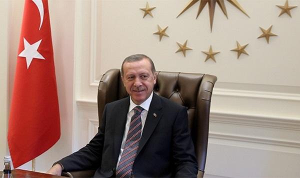 Liderlerden Galatasaray'a kutlama