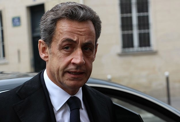 Sarkozy'den 'topyekün savaş' çağrısı