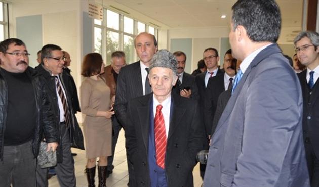 Kırımoğlu, Kırgızistan'da üç saat alıkondu