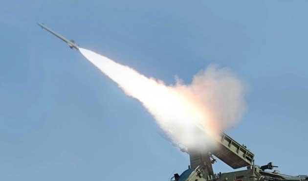 G. Kore de balistik füze denedi
