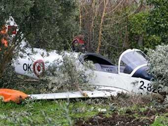 Yalova'da eğitim uçağı düştü