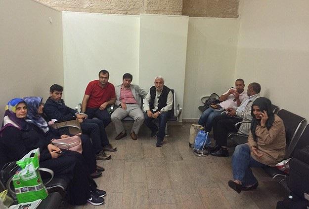 İsrail Türk gazetecileri sorguya çekip  sınırdışı etti